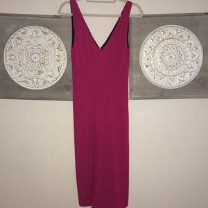 Beautiful Kay Unger dress with lining.